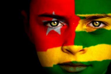http://terangaweb.com/wp-content/uploads/2013/04/drapeau-togo-4a2ce3bad18de-p.jpg